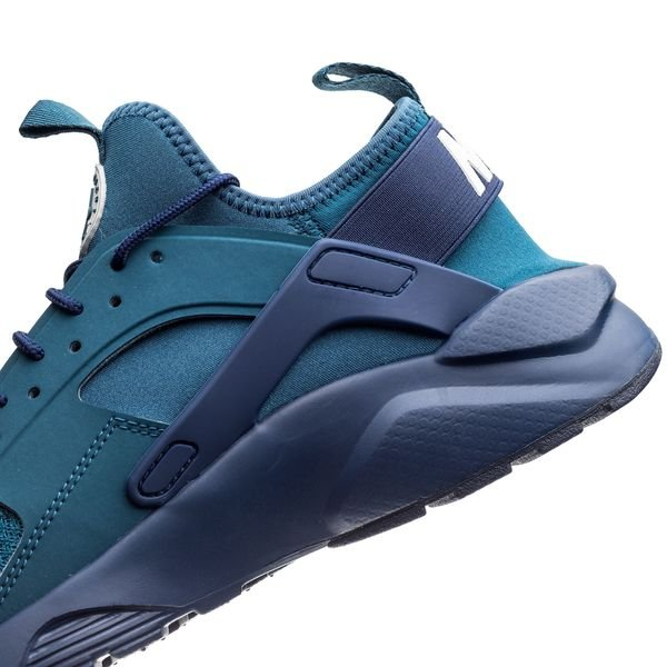 Official Look At The Nike Air Huarache Ultra Blue Force