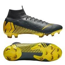 Achetez Chaussures Unisport Vos Nike Foot De Chez Crampons zqO1g4