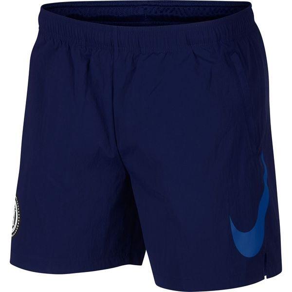 nike shorts zip pocket