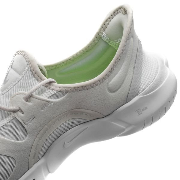 Free Running De Blancgrisjaune Nike Chaussures 0 5 Fluo qzMpLSUVG