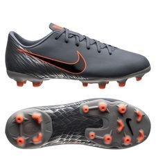 Nike Mercurial Vapor 12 Academy MG Victory - Blauw/Zwart/Grijs Kinderen <br/>EUR 29.95 <br/> <a href='https://tc.tradetracker.net/?c=16158&m=747978&a=209129&r=unisport&u=https%3A%2F%2Fwww.unisportstore.nl%2Fvoetbalschoenen%2Fnike-mercurial-vapor-12-academy-mg-victory-blauwzwartgrijs-kinderen%2F185080%2F' target='_blank'>Bekijk!</a>