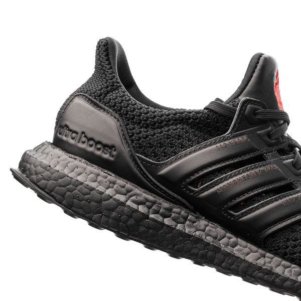 adidas Ultra Boost X Manchester United MustaPunainen