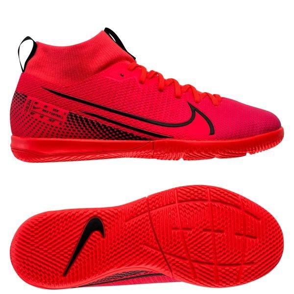 Nike inomhusskor | Köp dina Nike inomhusskor online hos Unisport