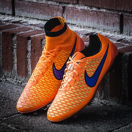 Nike fyrer op under kedlerne med orange Magista
