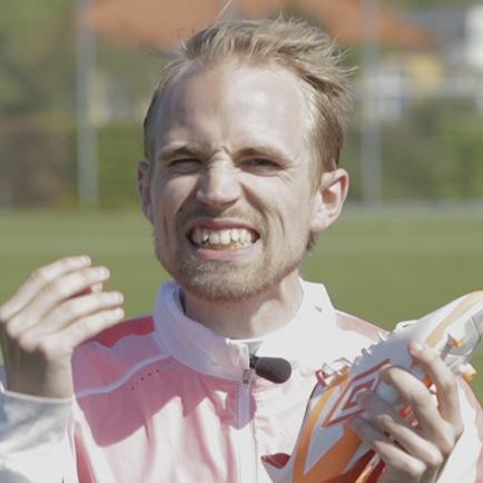 Unisport WebTV: Jakob anmelder Umbro Velocita -...