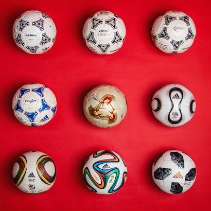 VM-bollens historia