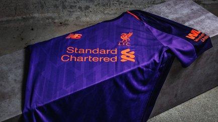Liverpool 2018/19 Vieraspaita