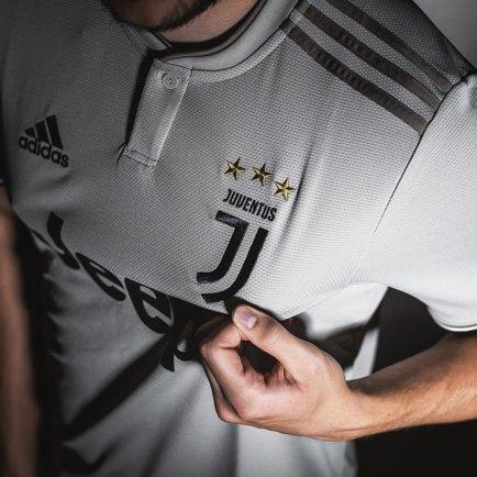 Das neue Juventus Auswärtstrikot 2018/19 | Hole...