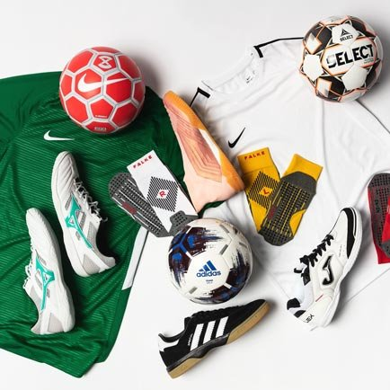 Dags för inomhusfotboll | Läs mer på Unisport
