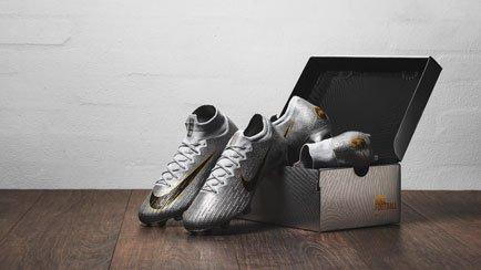 Nouvelles chaussures Nike Ballon d'Or | A décou...