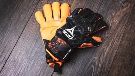 New Select 93 Elite goalkeeper glove | Read mor...