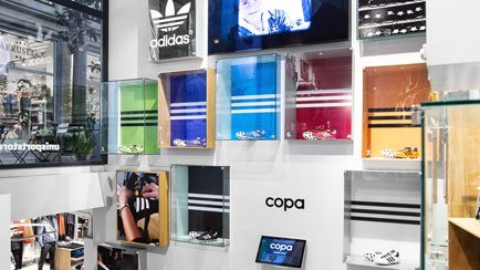 Ny udstilling i World's Best Football Store | L...