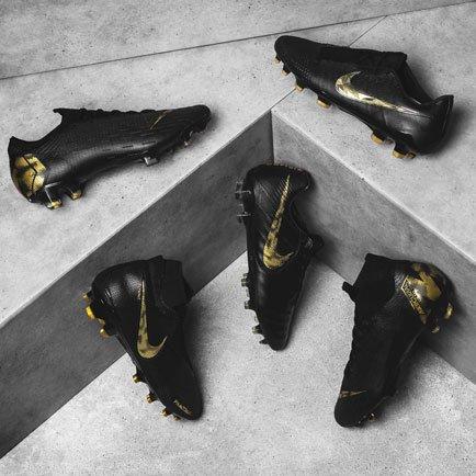 Nike Black Lux Pack | Läs mer om Nike-skorna på...
