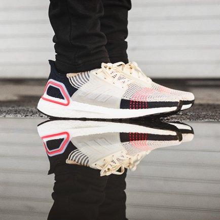adidas Ultra Boost 19 | Läs mer om skorna på Un...