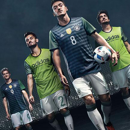 adidas bringt das Design der deutschen Auswärts...