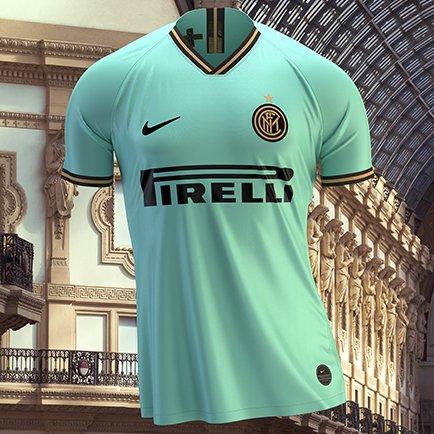Het nieuwe Inter 2019/20 uitshirt   Lees meer b...