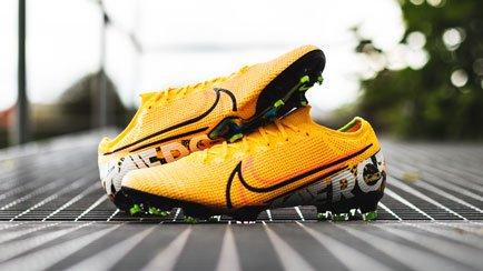 Nike Mercurial Orange | Læs mere hos Unisport