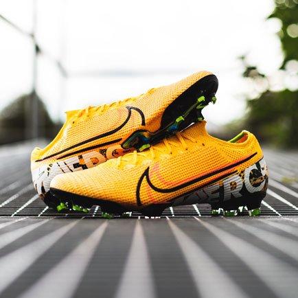 Nike Mercurial Orange   Erhältlich bei Unisport