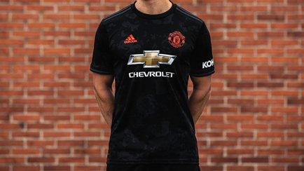 Ny tredjetröja för Manchester United   Hitta de...