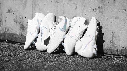 Nike Luft Mer Pengar Basket Sko Svart Vit Svart Herr