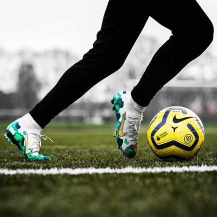 Uudet kengät Mbappélle | Uusi Nike Mercurial Su...