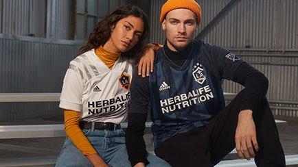 Uudet MLS pelipaidat   Lue lisää Unisportissa
