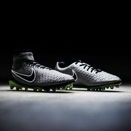 Nike sorgt für ein metallisches Design für Magi...