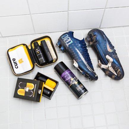 #footballathome | Gør dine sneakers og fodbolds...
