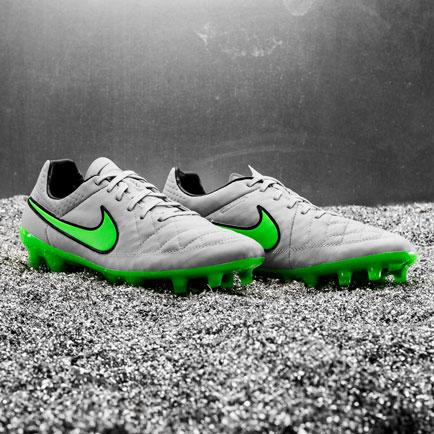 Vær elegancens mester med Nike Tiempo Legend V ...