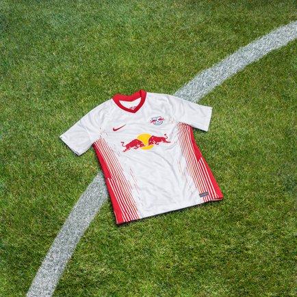 Neues Heim- und Auswärtstrikot für RB Leipzig |...