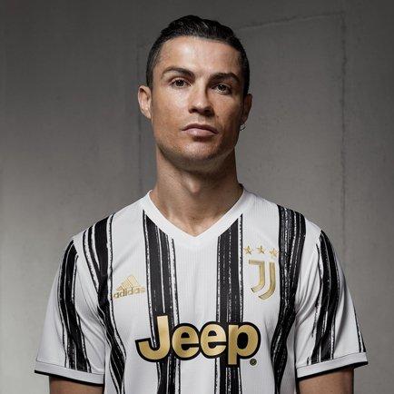 Ränderna är tillbaka | Kolla in Juventus hemmat...