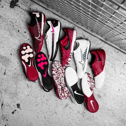 Nike's zaalvoetbalsterren | De Play Mode pack e...