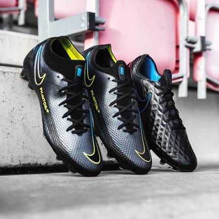 Black x Prism | Nike's sorte støvler er kommet
