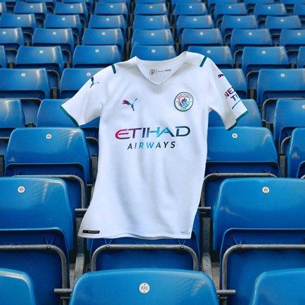 Ny udebanetrøje til Man City   Fejrer fodbolden