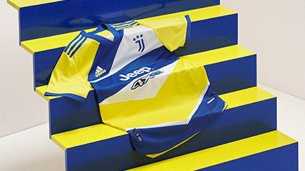 Juventus 3e shirt 2021/22   Een fraaie glimp va...
