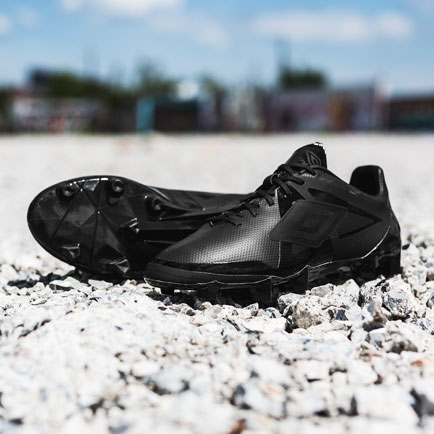Umbro Velocita Blackout | Sort er det nye sort