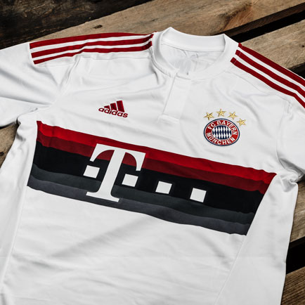 adidas leverer hæderlig udebanetrøje til Bayern...