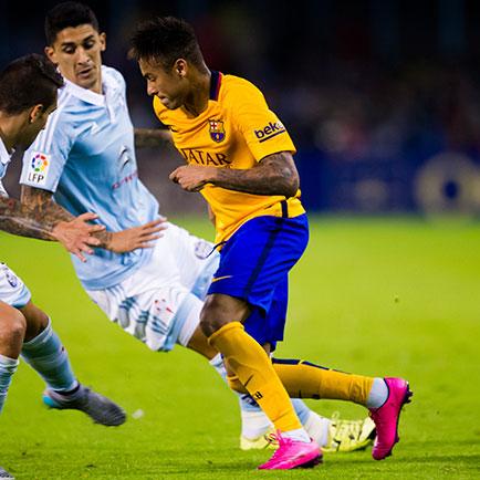 Es sieht so aus, als ob Neymar den Nike Hyperve...